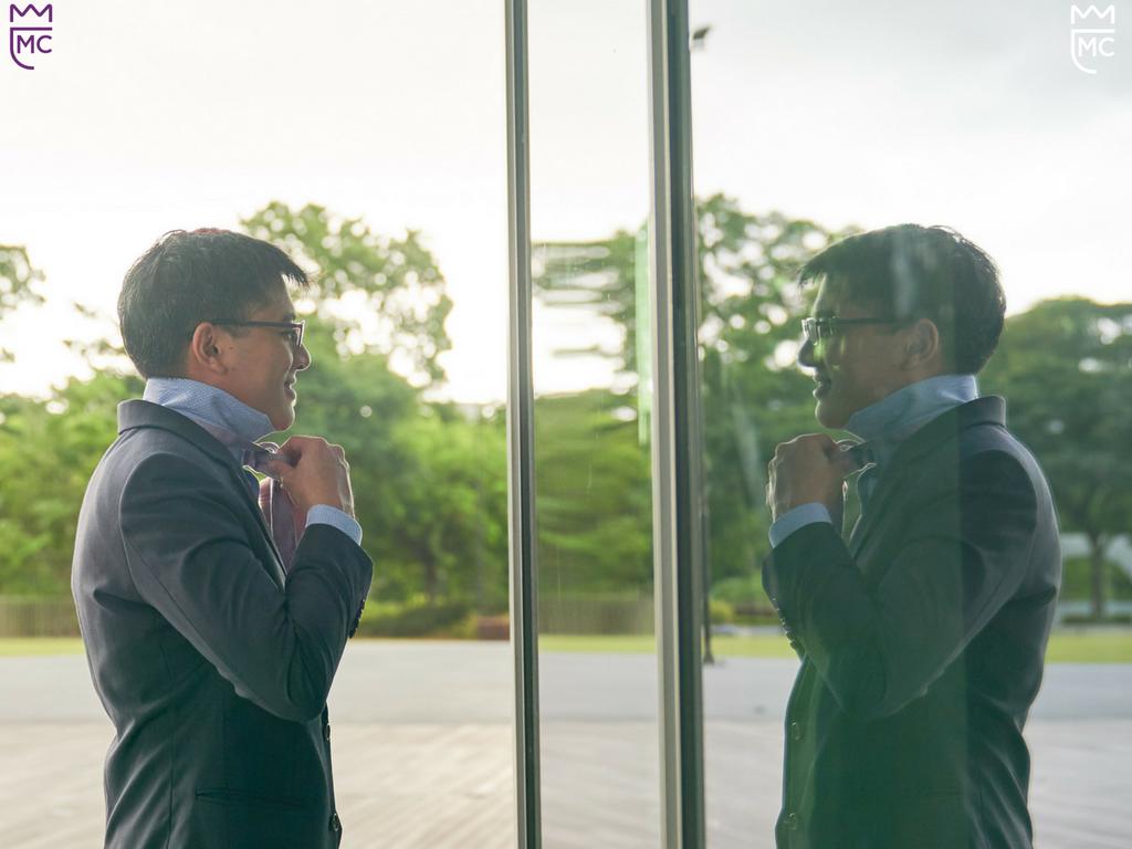 Lee McKing authentic mirror image presentation