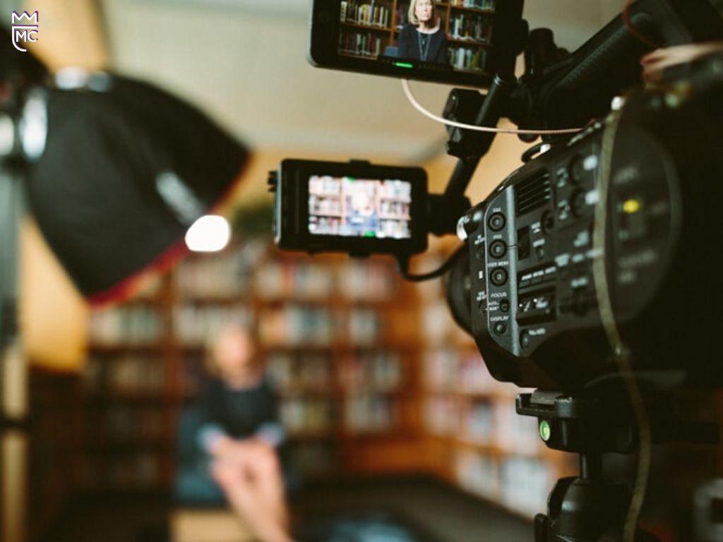 Presentation Lee McKing and tv interview