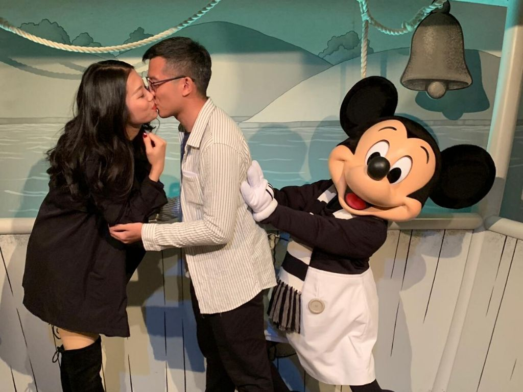 Presentation happy relationship mickey